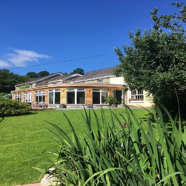 Llanerchindda Farm Guest House & Self Catering Cottages