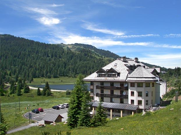 Stay in 3 regions: Austria, Slovenia and Italy. - Italy